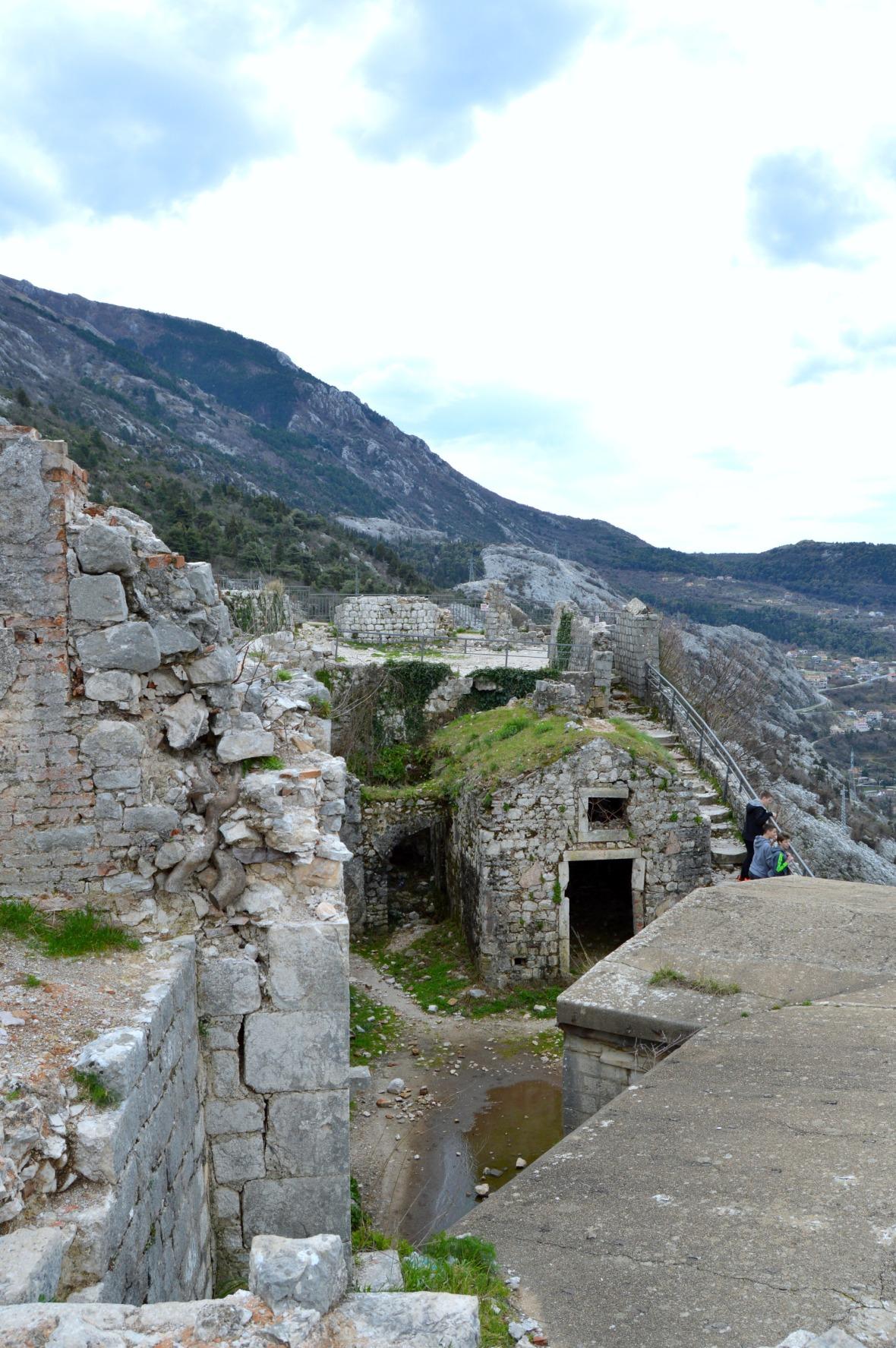 montenegro 17
